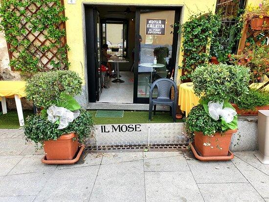 Bernate Ticino, Italia: Bar Tunisi