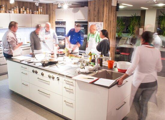 Toms Kochschule bei Kueche Aktiv