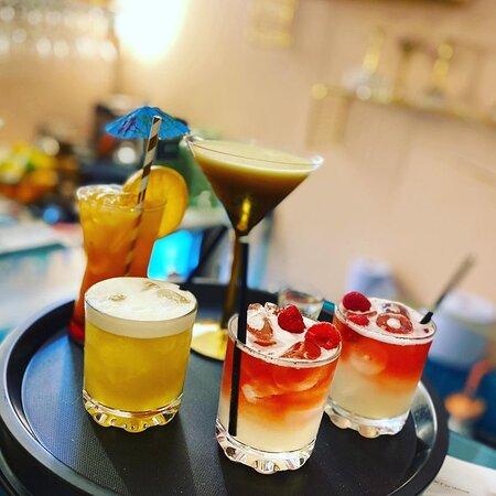 Vanity Bar