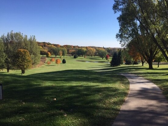 ‪Mayville Golf Course‬