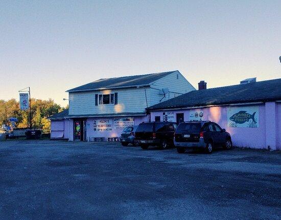 Elizabeth, PA: Molnar's Lounge & Restaurant
