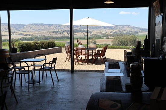 Lyndoch, Australia: Amazing view from inside the Tasting Room