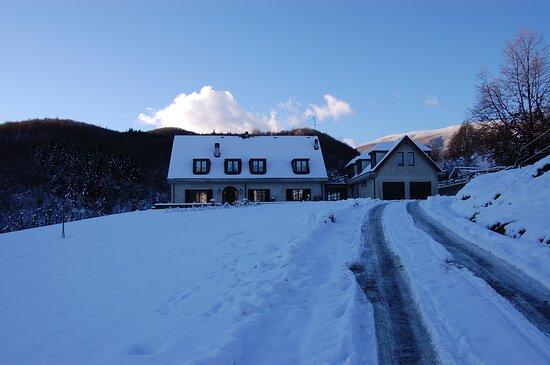 Tornolo, Italia: La Provenzale coperta di neve