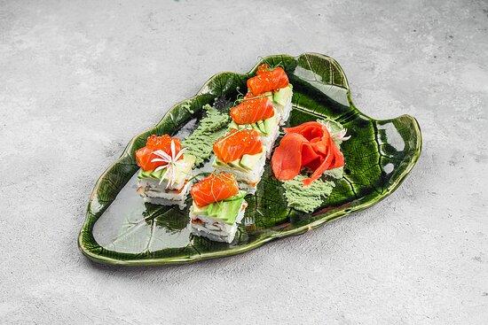 Суши кейки с угрем и копченой форелью