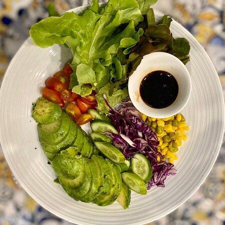 #เมนูแนะนำวันนี้😍 #พอดีคำ🥗 #สลัดอโวคาโด🥑 #น้ำสลัดอิตาเลี่ยน🥙 Avocado Salad with Italian Dressing.฿189.- #vegetarianfood #veganfood  #สเต็ก #อาหารฟิวชั่น #อาหารนานาชาติ🤩 #Steak #FusionFood #PorDeeCome😋 #สำรองที่นั่ง☎️ 096-706-9332 #Google : https://g.page/P0rDeeCome #Instagram : por_d_come #Delivery #ผ่าน #App #weserve