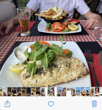 Fresh seafood close by walking distance to waters