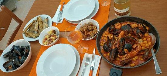 Mangiare bene senza fronzoli, pesce e carne ottimi ❤️ locale carino e possibilità di prenotazione per asporto 👍🏼