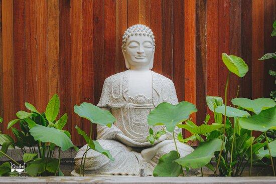 Quan Bui Garden 55A-55B Ngo Quang Huy, Thao Dien, D2, HCMC Tel: 028 38989088