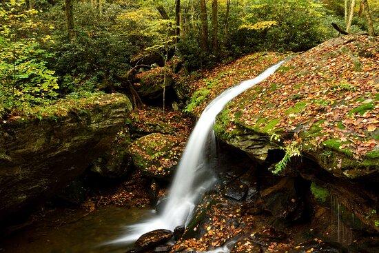 Seven Devils, Carolina do Norte: View of left side of the falls.