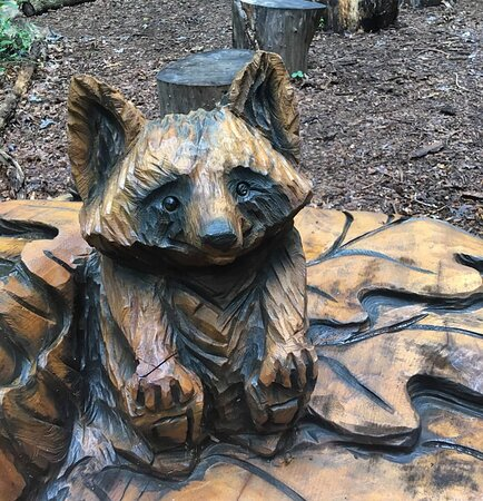 Detail from the carved log bench!