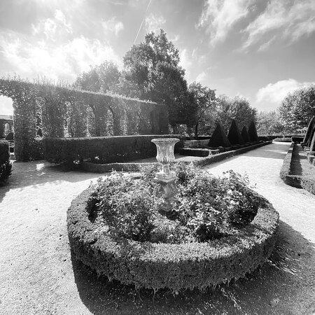 Les Jardins Du Cloître