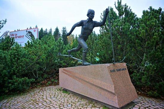 The statue of Siiri Rantanen, Lahti