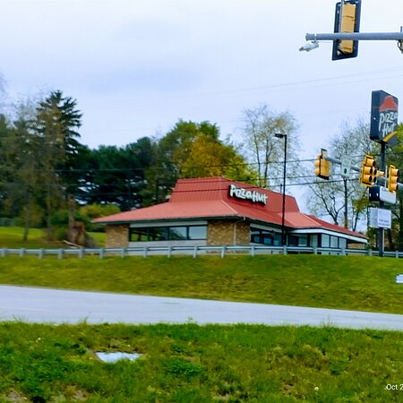 New Stanton, Pensilvanija: View from park n ride