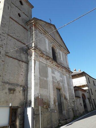 San Benedetto Belbo, Ιταλία: La facciata