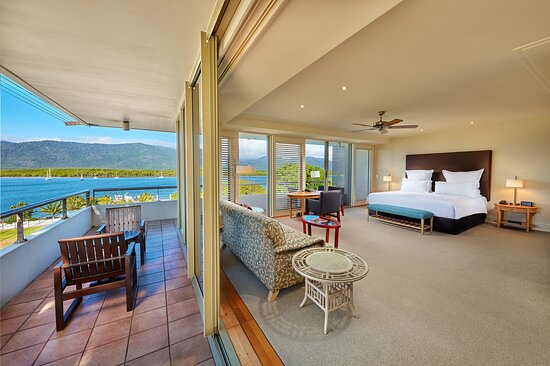 Junior suite* some view may vary