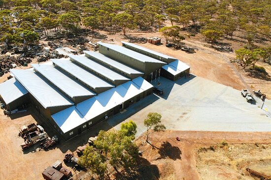 Nungarin, أستراليا: Birdseye view of the Nungarin Heritage Machinery and Army Museum