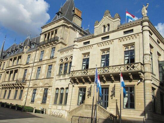Hôtel De La Chambre Des Députés