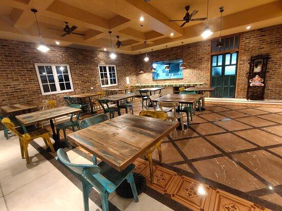 Surat District, อินเดีย: Restaurant