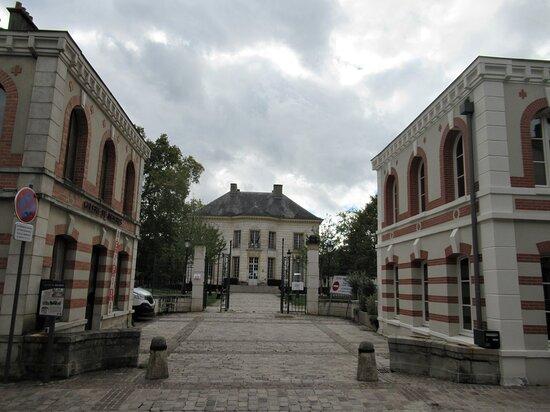 Hôtel De Mézières Dit Château Goguel