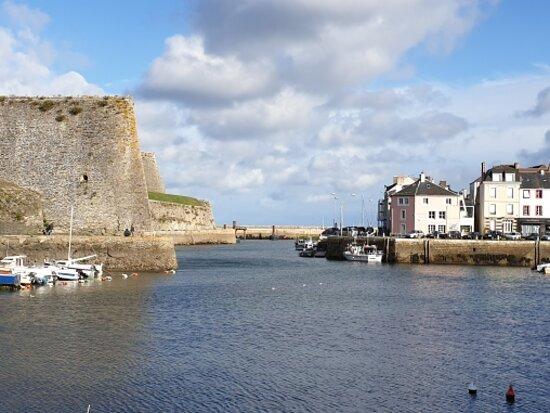 Belle-Ile-en-Mer, France: Un bien joli port... 👍😊⚓