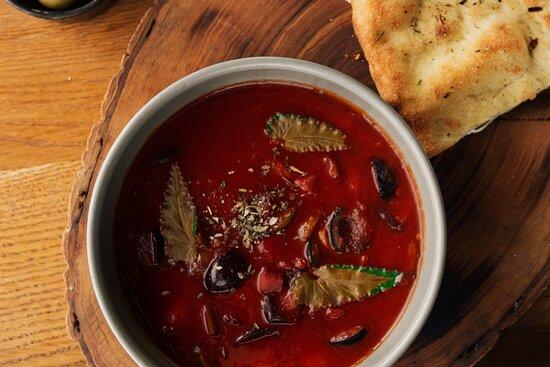 Оливково-томатный суп
