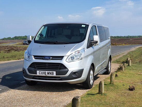 Eastleigh, UK: Travel in  comfort with our leather 8 seater vehicles.