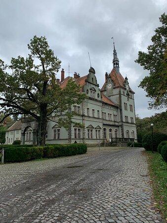 Отличный парк, красивый замок