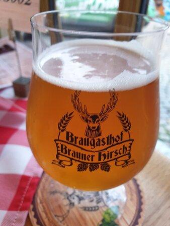 Brauner Hirsch Harz