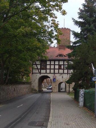 Wjazd do starego Łagowa, jak w średniowieczu
