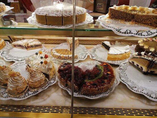 Kuchenbuffet Cafe Reber