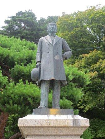 山田脩翁銅像