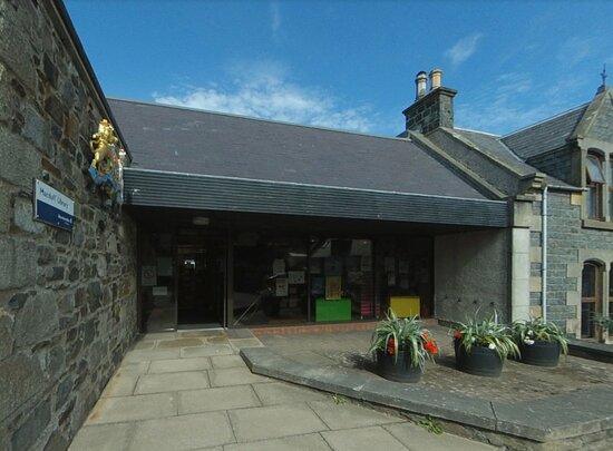 Macduff Library