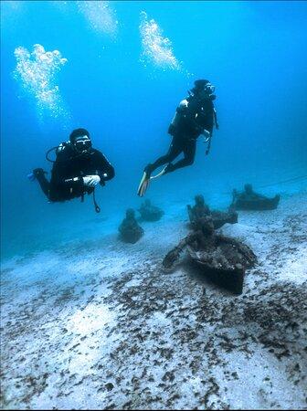 1 Dive Underwater Museum Photo