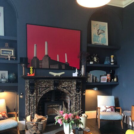 Llanbrynmair, UK: This is the gorgeous lounge....