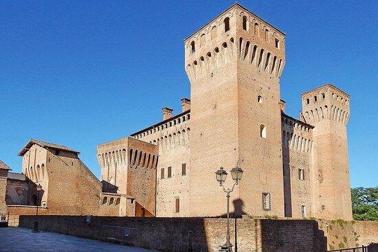 Tour A Vignola E Castelvetro Con Pranzo In Agriturismo e visita in