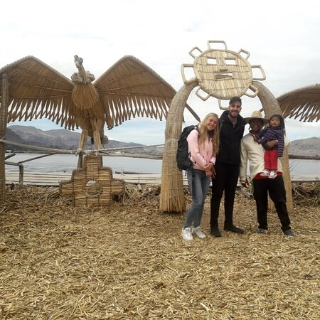 Private tour to uros islands with yordy and dina