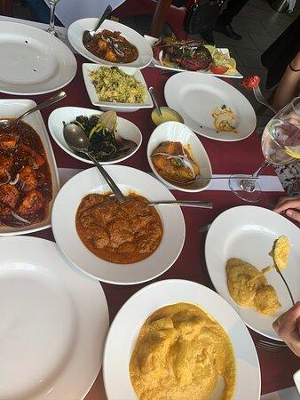 Kemsing, UK: The whole family beautiful Indian food 