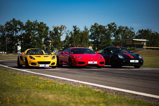 Andrezieux-Boutheon, France: Porsche / Lotus / Ferrari