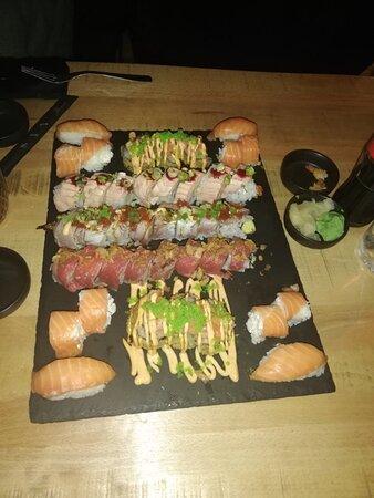 Fréjus-Plage, France: Encore un excellent dîner en famille a tokio sushi toujours aussi frais et excellent ❤️👌👍