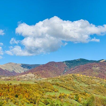 Хмарка і гори