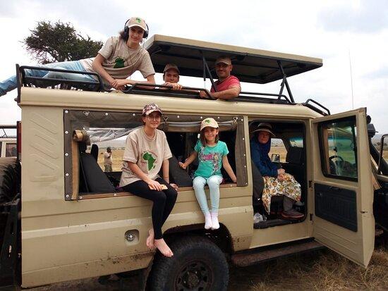 شجاع كينيا الرحلات الاستكشافية والسفر