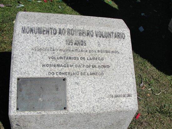 Estatua ao Bombeiro Voluntario