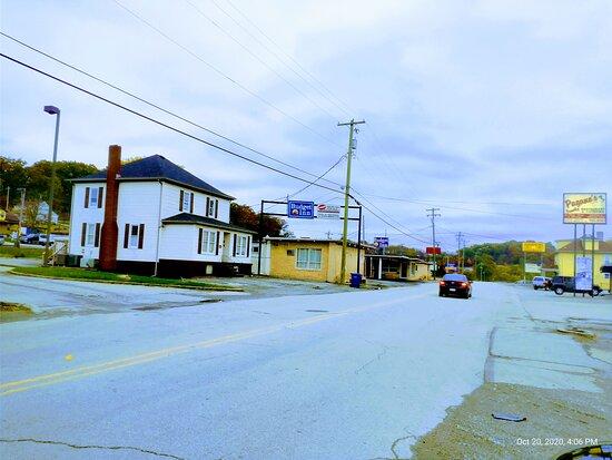 New Stanton, Pensilvanija: view from sheetz