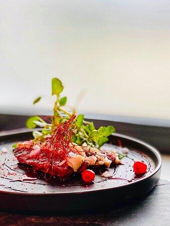 Le magret de canrd façon Gravlax et fruits rouge