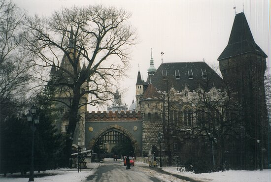 ฮังการี: Mie foto cartacee di viaggi che ho fatto nel corso degli anni  - Budapest : Castello di Vajdahunyad ...