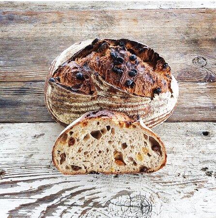 Ballard, CA: Rasin Bread
