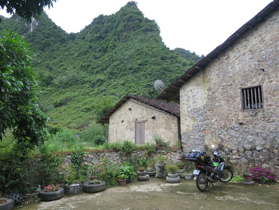 Dam Thuy, Việt Nam: Parking for bikes and nice vew