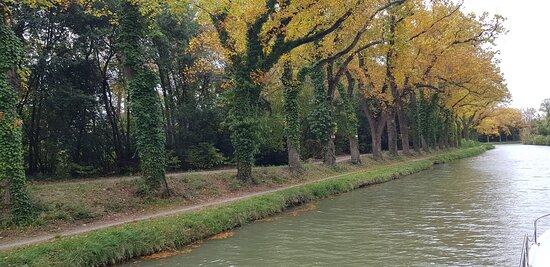Argens-Minervois, France : le canal
