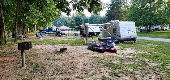 Dixon, MO: Boiling Spring Campground