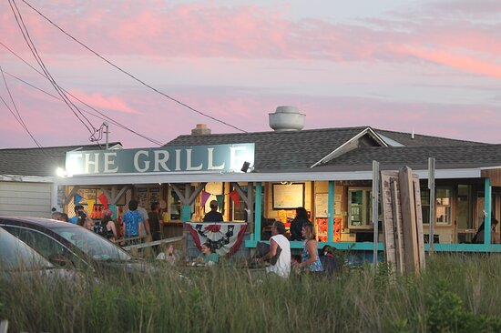 Cape May Point, NJ: Dinner at sunset on the beach
